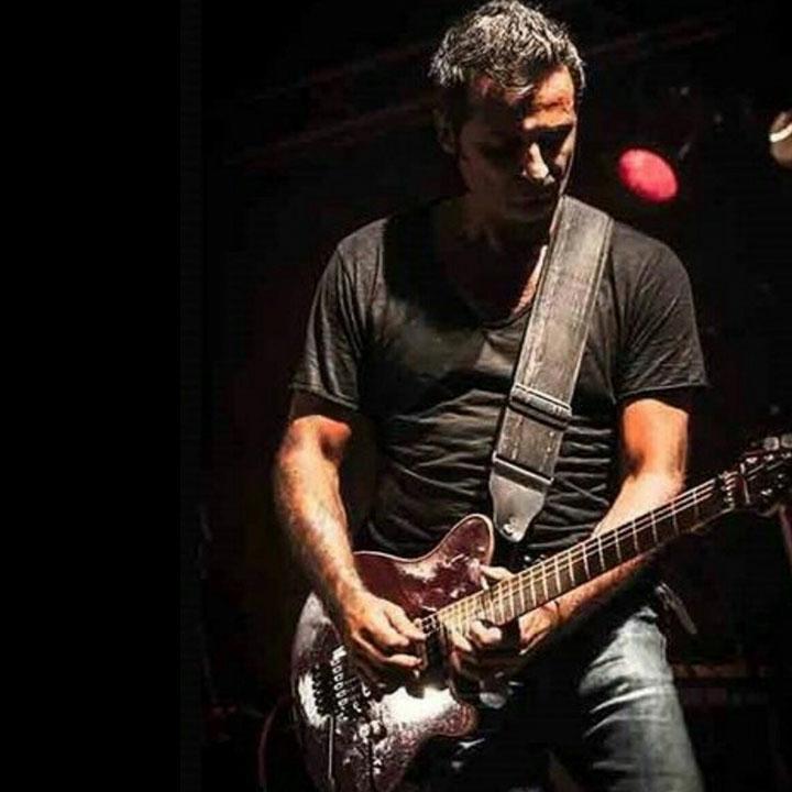 Michele trillini cantante e chitarrista